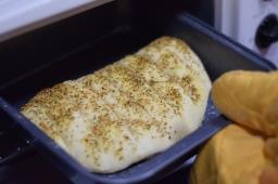 Garlic breadsticks at home